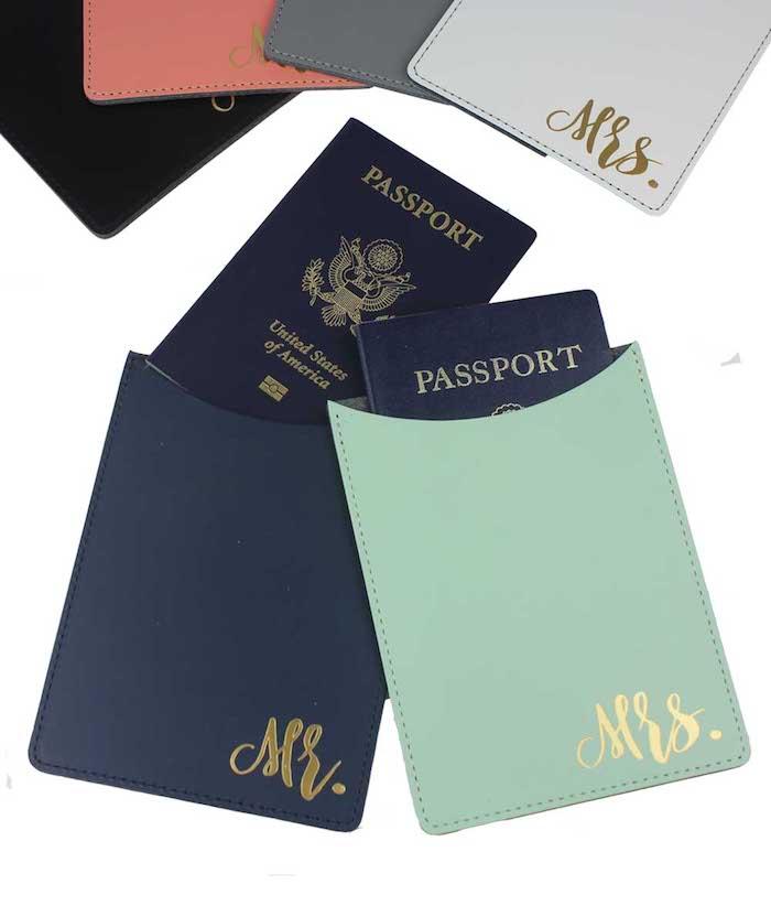 Passport-Halter mit goldenen Aufschriften Mr. und Mrs., Idee für Hochzeitsgeschenk