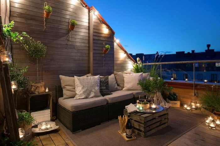 moderne terrassen zum entspannen am abend, schönes flair, dezente beleuchtung mit kleinen lampen, led beleuchtung