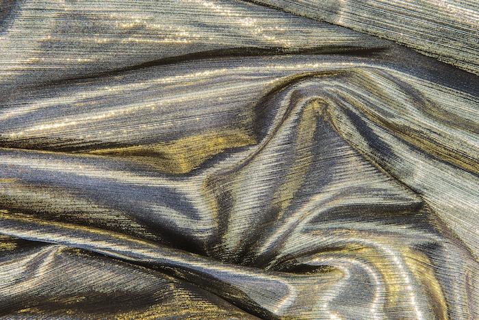 Warum nicht zu schillerndem Goldstoff greifen
