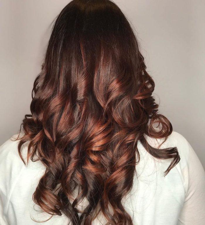 kammsträhnen in roter farbe, braun rote haare ideen zum nachmachen, haare selber färben