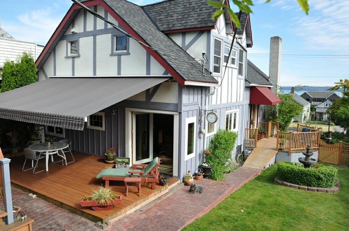 häuser mit terrassen gestaltungsmöglichkeiten und ideen, vorgarten liegestühle, esstische