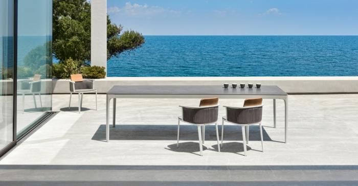 terrasse anlegen, schönes aussicht genießen, stühle, sitzen auf der terrasse, das meer genießen