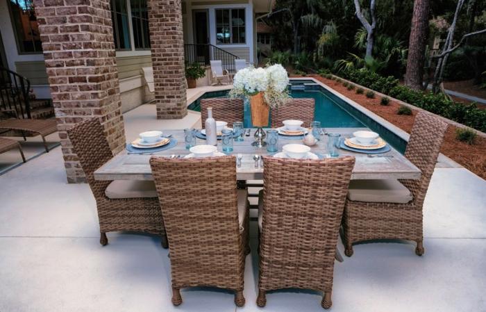 schöne terrassen selber gestalten, einrichten, dekorieren, esstisch am pool, haus