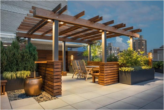 trendy ideen für eine garten terrasse, letzte trends folgen, einrichtung und deko, metalvase, esstisch, regenschutz