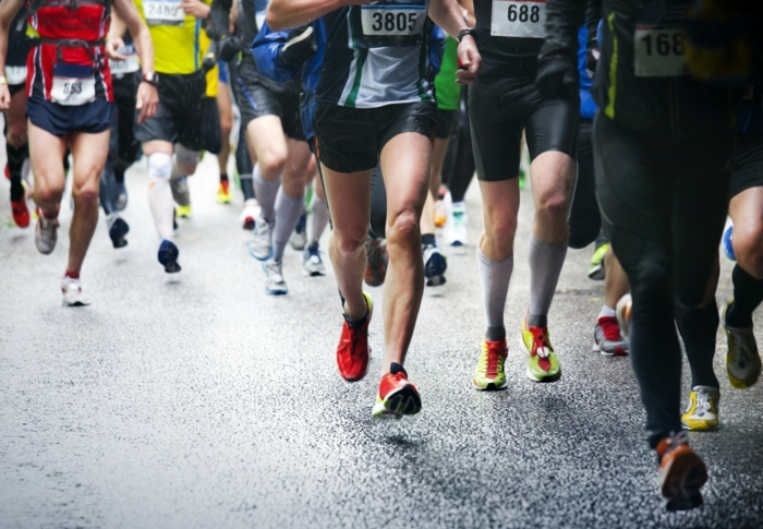 tipps zum abnehmen, nehmen sie teil an sportlichen ereignissen die zur unterstützung von anderen menschen sind, wohltätigkeit, laufen, gehen. turnier