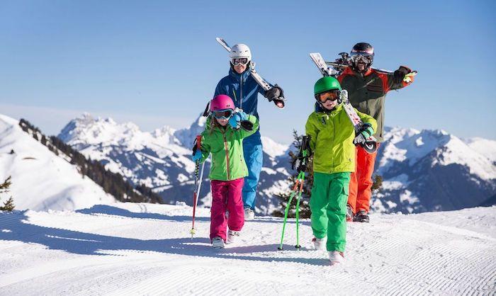 urlaub in den alpen mit der familie, skifahren in den zillertaler alpen, österreich