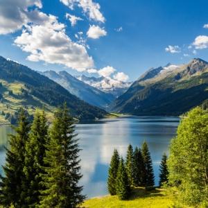 Urlaub in den Alpen: Erholung und Naturgenuss in den Zillertaler Alpen