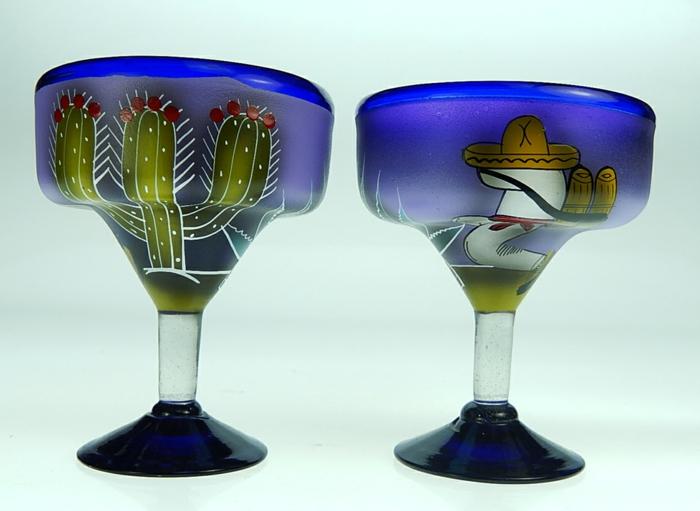 Gläser in mexikanischen Stil, mit Sobrero und Kaktus, Glas farben für Tequilla