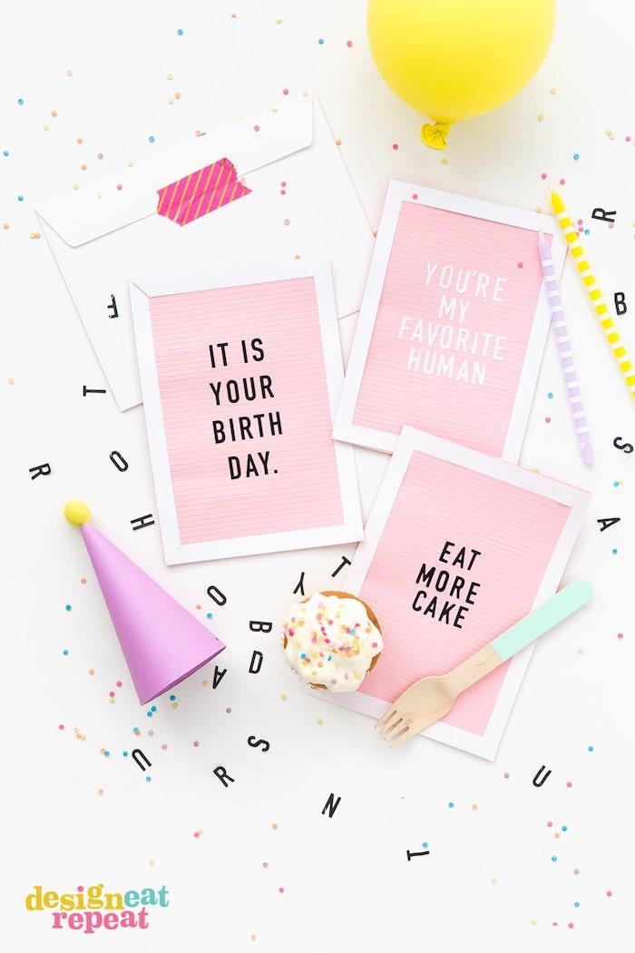 klappkarte basteln, gelber luftballon, partyhut aus lila karton, selbstgemachte geburtstagskarten, diy