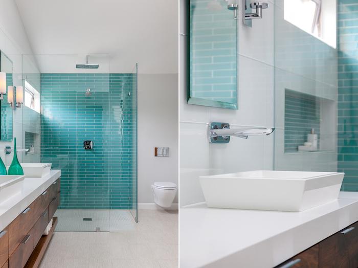 Badezimmer Einrichtung in Weiß und Türkis, Fliesen in kräftiger Farbe, weißes Waschbecken