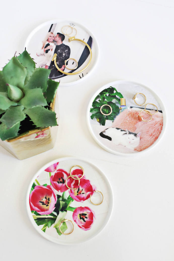 Selbstgemachte Schalen mit Bildern, Idee für personalisiertes Geschenk, goldener Schmuck