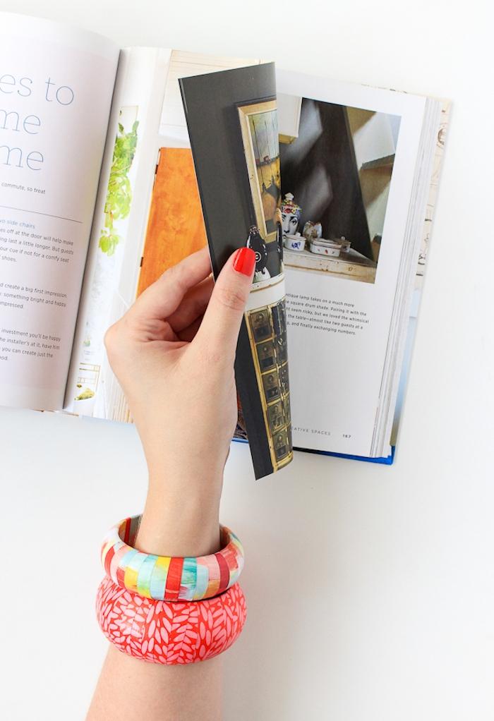 Zwei Armbänder mit Serviettentechnik verziert, kreative Geschenkidee zum Selbermachen