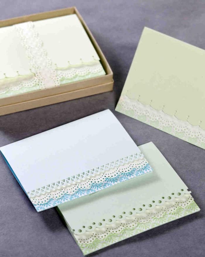 bastelideen zum geburtstag, kartonschachtel, basteln mit papier, selbstgemachte geburtstagskarten im retro stil