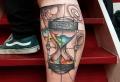 Sanduhr Tattoo – die Bedeutung dieses Vanitas Symbols