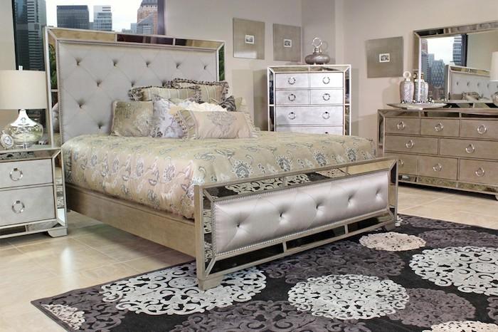 schlafzimmer deko ideen zimmerdesign in golden und silbern, teppich in schwarz mit blumenmotiven, grau, weiß