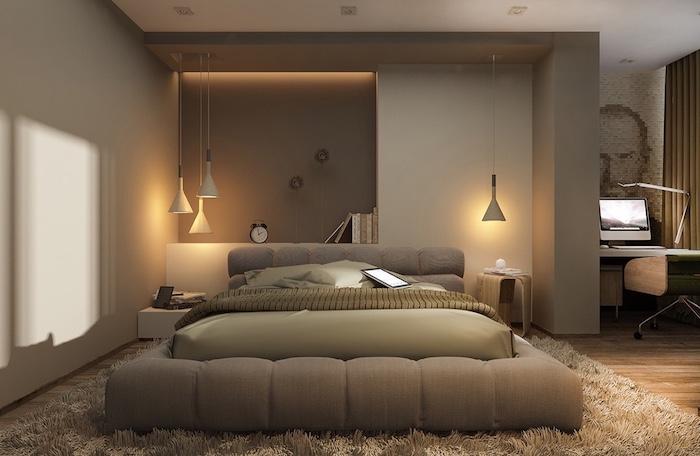 schlafzimmer gemütlich gestalten, beiges design des zimmers ideen, lampen, wecker, flauschiger teppich