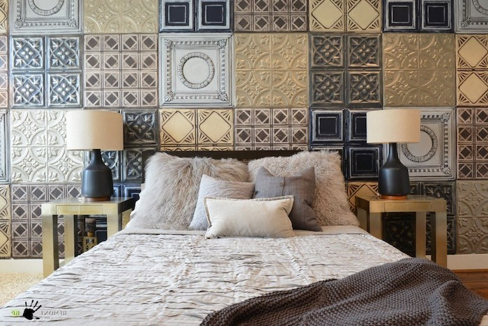 schlafzimmer ideen wandgestaltung, flauschige kissen, wanddeko, patchwork deko ideen
