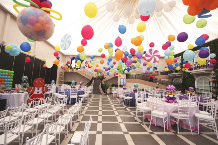 geburtstagsdeko kinder schätzen die bunte dekorationen wie baloons, candies, pinatas und clowns