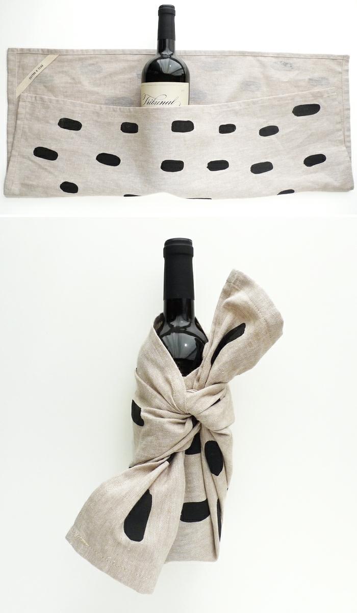 eine graue Weinflasche verpacken, wie das Knot zu binden, Geschenk, wenn Sie zu Gast gehen