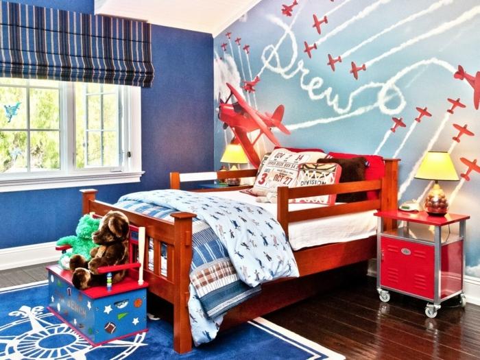 ein traumhaftes Kinderzimmer für Junge, rote Flugzeuge, Bilder an der Wand, Kinderzimmer Ideen für kleine Räume