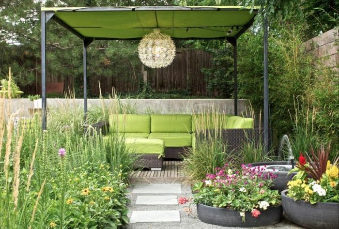 DIY Pflanzkübel, wilde Pflanze, bequeme grüne Gartenmöbel. selbstgemachte Pergola, Garten Ideen günstig