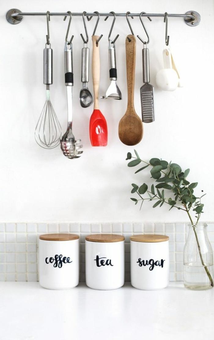 Kaffe, Tee und Zucker in kleinen Weckgläsern, hängendes Besteck, Wanddeko Ideen