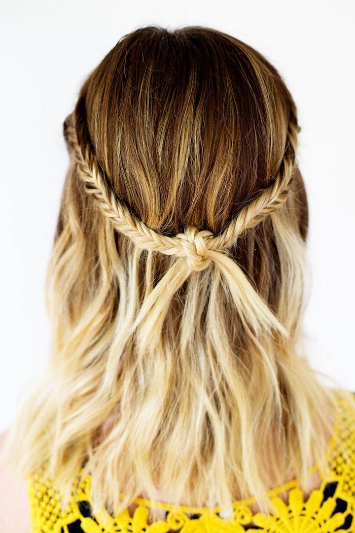 mittellange haare, balayage, braune haare it blonden spitzen, frisur mit zöpfen, einfache flechtfrisuren