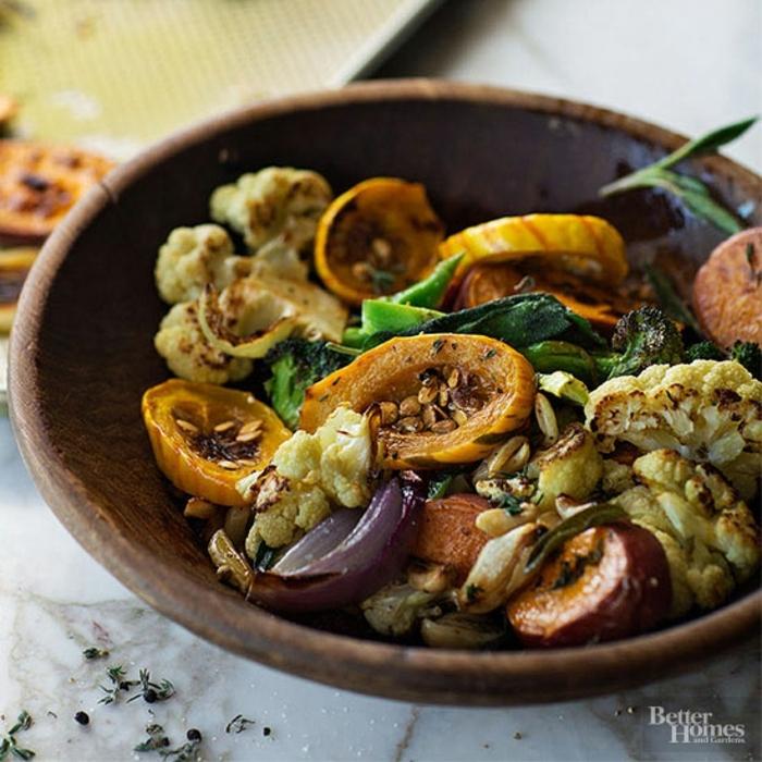 abendessen low carb, gemüse speise, gerichte zum probieren, zucchini, blumenkohl, aubergine