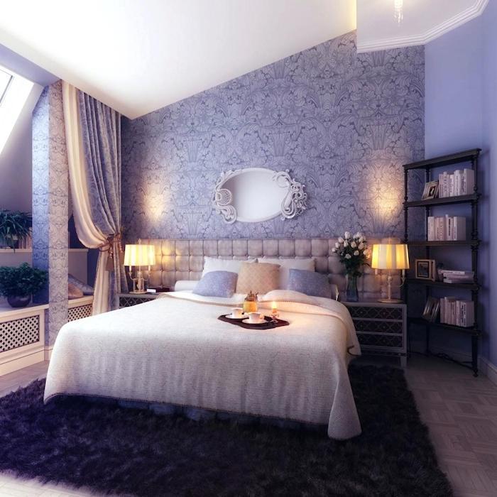 schlafzimmer einrichten beispiele, lila violett, nuancen beleuchtung, spiegel, ideen, vorhänge, schräge. dachschräge