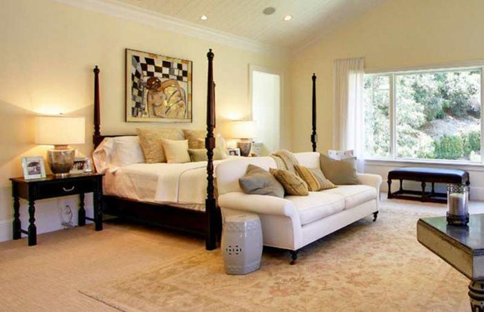 schlafzimmer farben dezent und schlicht, helle farben, wandbild an der wand hinter dem bett, bettdesign orientalisch