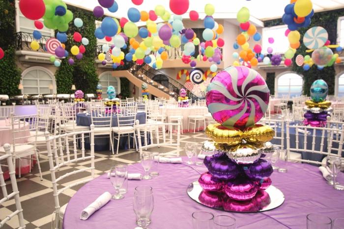 tischdekoration geburtstag bunte ideen für kinder und erwachsene, baloons mit farben hängend