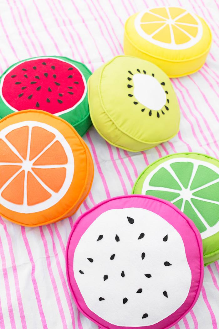 Obst Kissen selber nähen, schöne Deko für den Garten, Sommerparty organisieren