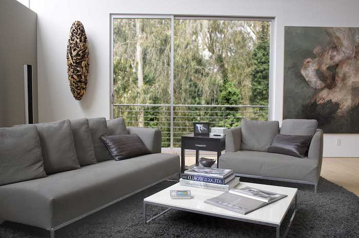 schlafzimmer grau oder wohnzimmer grau, oder beide zusammen, was möchten sie zu hause haben, wohnraum mit sofa und sessel und große dekorationen an der wand, wandbild, großes fenster