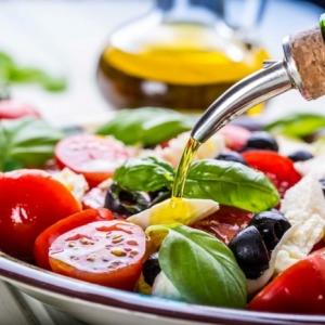 Gesunde Salate - ein Muss auf dem Tisch