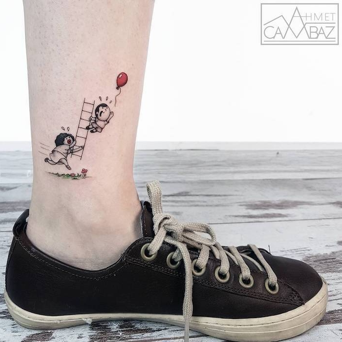 Lustiges Tattoo Motiv, verliebtes Paar, roter Ballon und Treppe, schwarze Sneaker