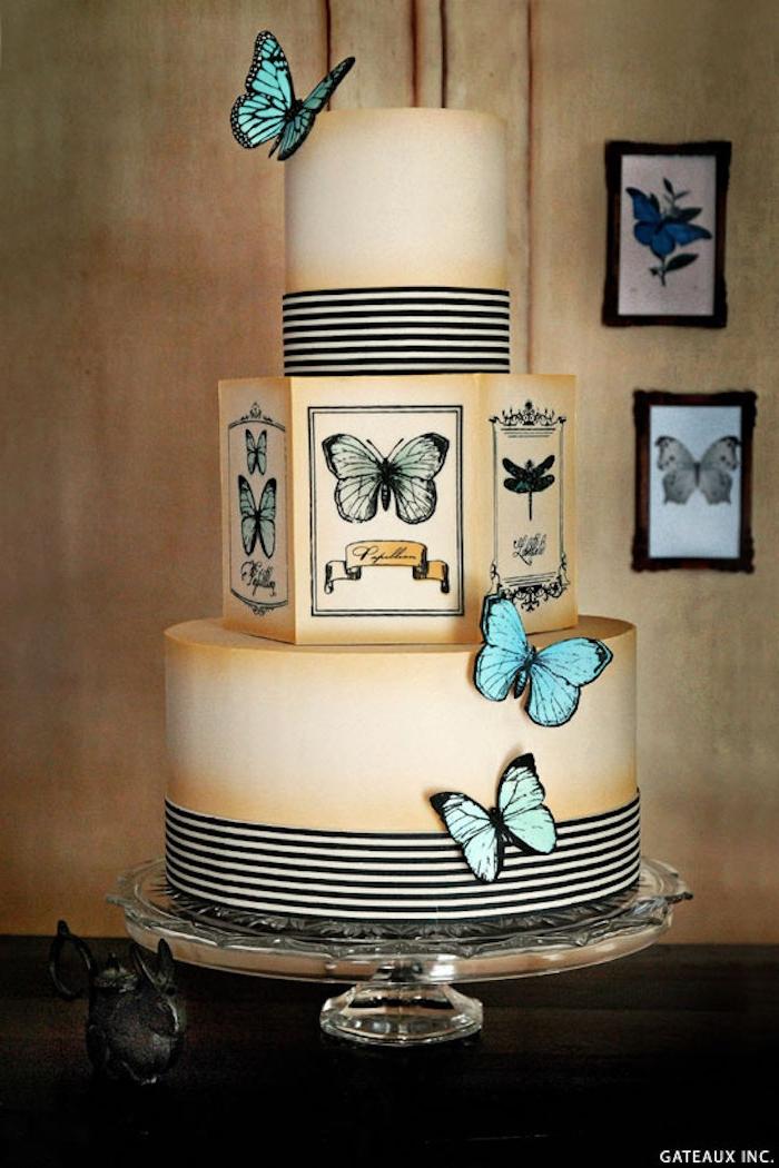 Ideen für Torten mit Fondant, blaue Schmetterlinge, dreistöckige Hochzeitstorte