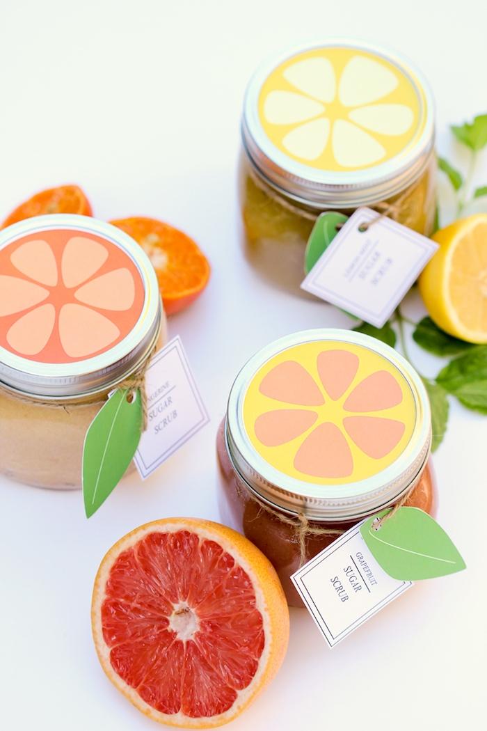 Peeling mit Grapefruit selbst herstellen, Aufkleber in Form von Zitrusfrüchten