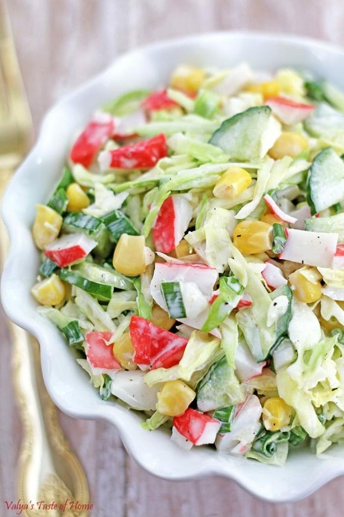 bunte Sommersalat Rezepte aus verschiedenem Gemüse und Korn