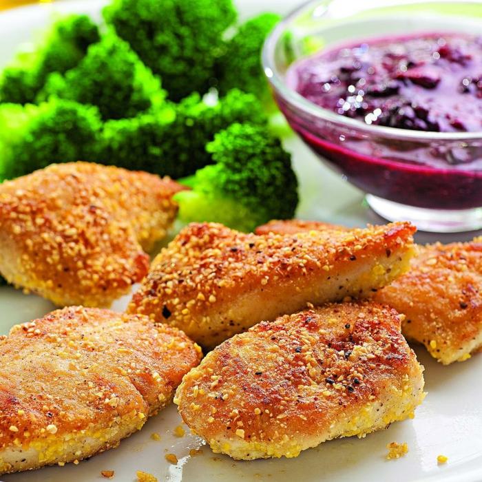 kohlenhydratarmes essen, frittiert aber schon gesund, fleisch fillet mit brokkoli und rübensalat