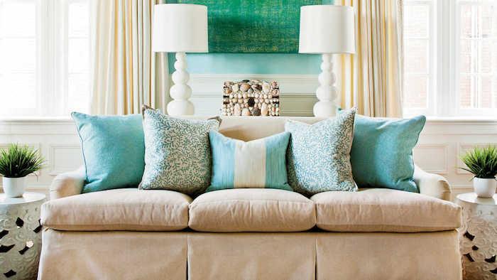 deko ideen wand, blau, grün deko ideen, gemütliche erholungsecke im schlafraum, blau und grün maritime kissen, und deko lampen und wandbild meeresflair