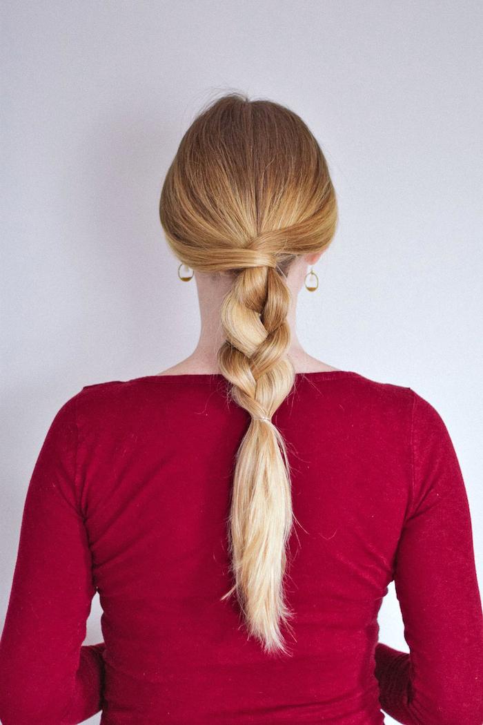 schnelle frisuren für lange haare, alltagsfrisur, lockerer halber zopf, blond, rote bluse