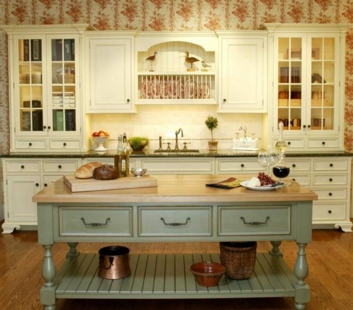 eine altmodische Küche, bunte Tapeten, Wandgestaltung Ideen selber machen