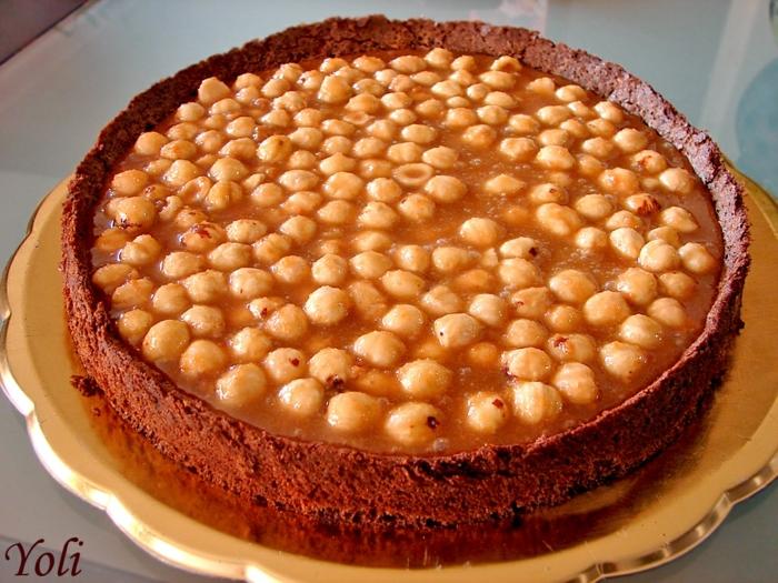 eine ausgezeichnete Torte mit Karamell, Hazelnüsse und Schokolade, Toffifee Kuchen
