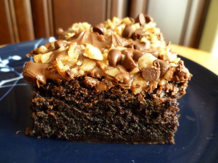 Toffifee Kuchen, kleine Pralinen als Dekoration, ein Boden voller Schokolade