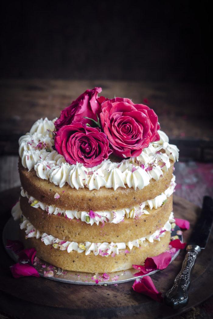 Buttercreme und drei Rosen, Geburtstagstorte selber machen und dekorieren