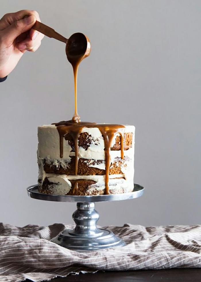 ein Toffifee Torte Rezept mit viel Karamell, je mehr Karamell desto besser