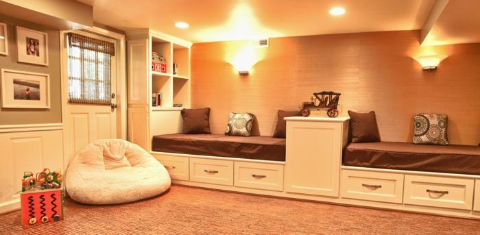 schlafzimmer für kinder, zwei bette, spiegel im schlafzimmer, bequemer sessel, wanddeko ideen