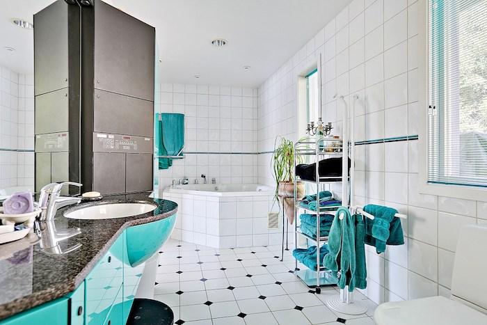 welche farbe passt zu grün oder blau im badezimmer, grau und weiß als hauptfarben werden vom grünen verziert