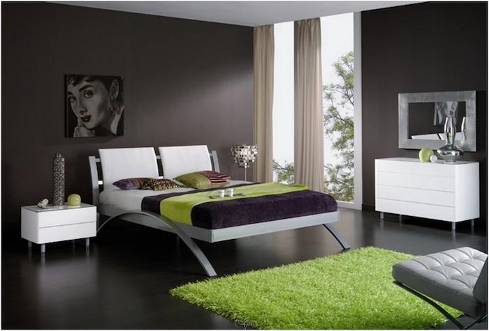 welche farbe passt zu grün, einrichtungsidee vom schlafzimmer in grau mit akzent auf dem grünen, traumteppic, wanddeko, bettwäsche