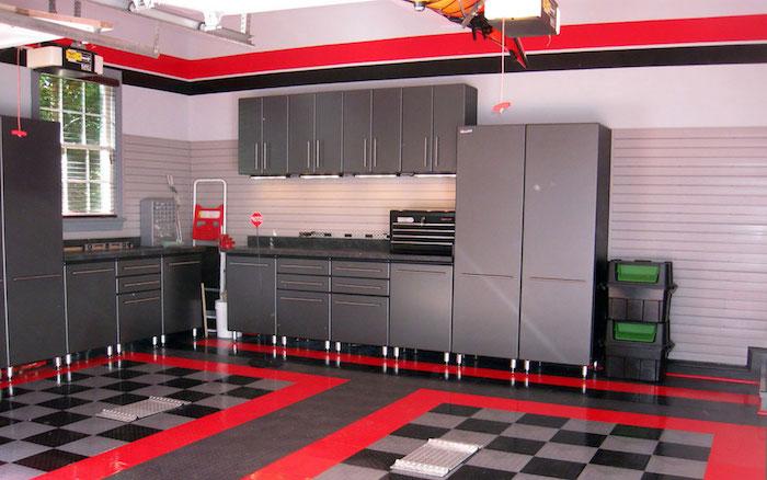 welche farbe passt zu rot, küche einrichten, küchendesign idee, graue einrichtung, graue küchenausstattung, rote deko